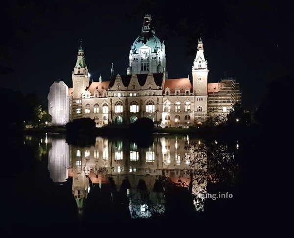 Hannover Abendspaziergang Zu Den Glanzlichtern Hannover Rathaus Hannover Baustil