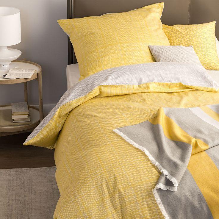 Schöner Wohnen Mako-Satin Wendebettwäsche Web gelb-grau in zart glänzender Baumwolle. Sonniges Gelb und ein grob strukturiertes Muster machen aus den weichen Bettwaren eine Besonderheit.  #bettwäsche #bedding #gelb #sonne #sommer #summer #2017 #hellefarbe www.bettwaren-shop.de