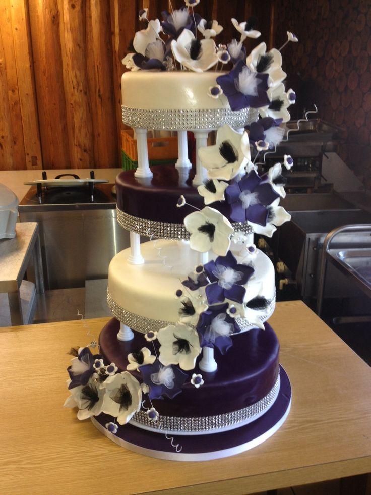 Hochzeitstorte+für+Freunde+4-stöckig+Lila+Blütentraum