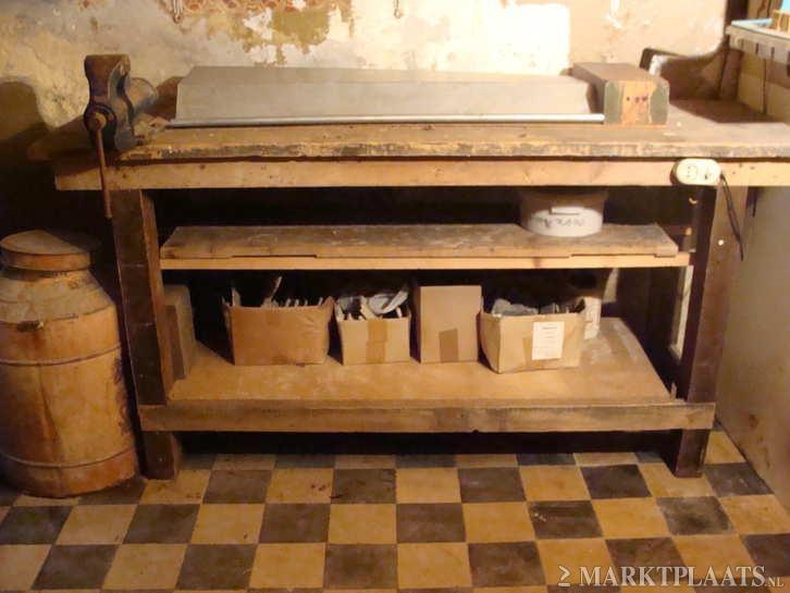 Keuken Werkbank Maken : Marktplaats.nl > prachtige oude houten werkbank, inclusief bankschroef