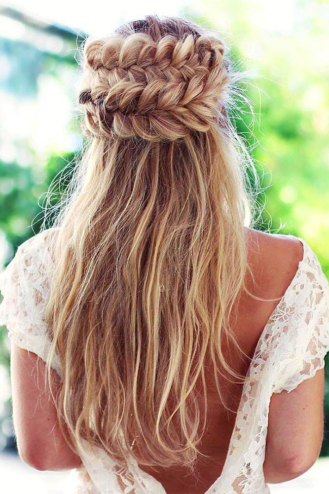 24 Creative & Unique Wedding Hairstyles ❤ See more: http://www.weddingforward.com/creative-unique-wedding-hairstyles/ #weddings #hairstyles
