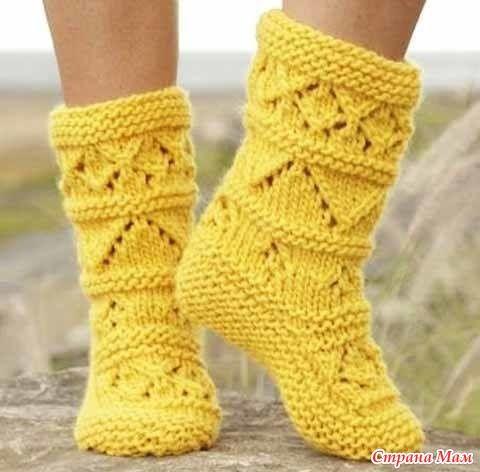 Носки «Лимонный твист» названы так благодаря насыщенному «лимонному» цвету пряжи и интересному узору. Однако, цвет, конечно же, можно сделать любой. Все равно будет смотреться хорошо. Размеры