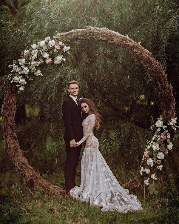 Hochzeitstrends Bohemian Wedding Arch Ideas #Hochz…