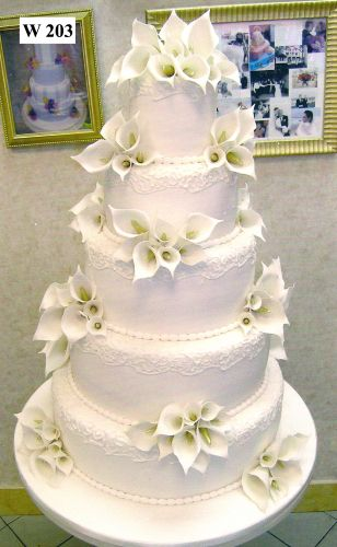 cake boss wedding cakes with flowers wedding cake with calla sugar flowers wedding cake 12294