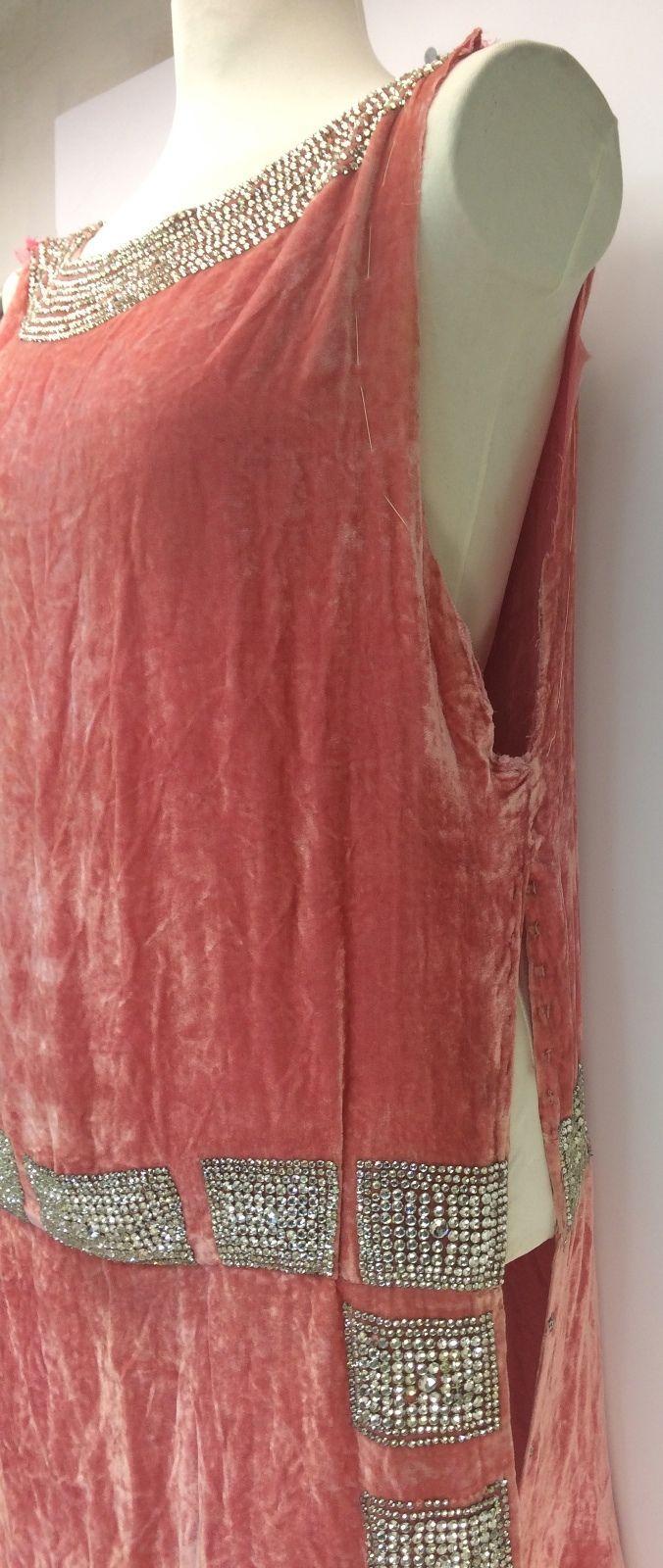 1920s Jean Patou Rhinestone & Coral Silk Velvet Haute Couture Flapper Dress. Detail