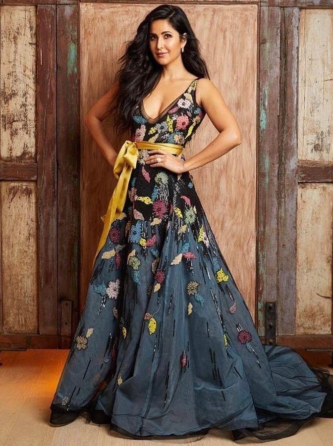Actress Katrinakaif Is Ready For Spring In Reemacraresort19 At The 2019 Zee Cine Awards Reemacra Katrina Kaif Dresses Katrina Kaif Katrina Kaif Hot Pics