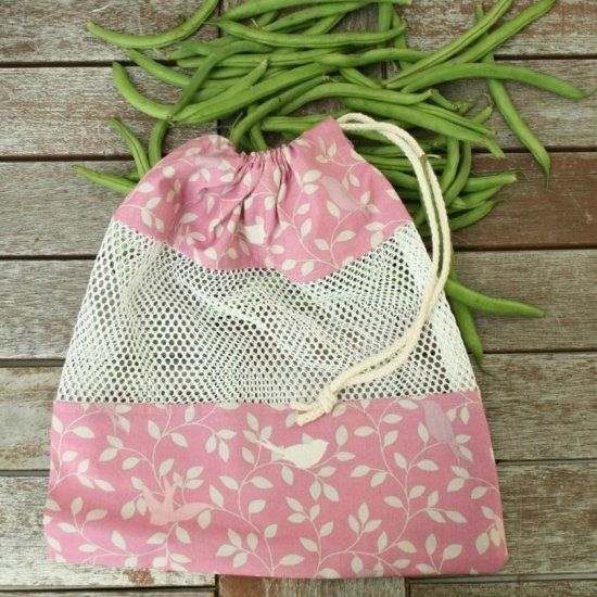 Sew your own reusable produce bag for the farmer's market & grocery store. This easy tutorial makes bags that are also great for the beach.