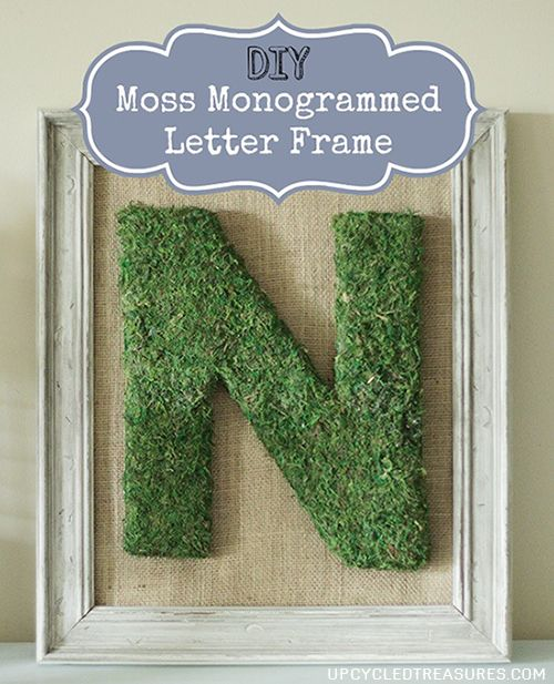 How to make a {DIY} Moss Monogrammed Letter Frame. We will be using this for decoration during our rustic/woodland wedding.  http://upcycledtreasures.com/2013/08/diy-moss-monogrammed-letter-frame/ #DIY #mosswedding #burlapframe