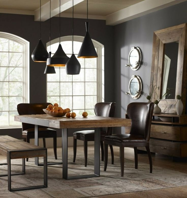 salle à manger contemporaine, murs gris anthracite, table en bois brut et chaises en cuir marron foncé                                                                                                                                                                                 Plus