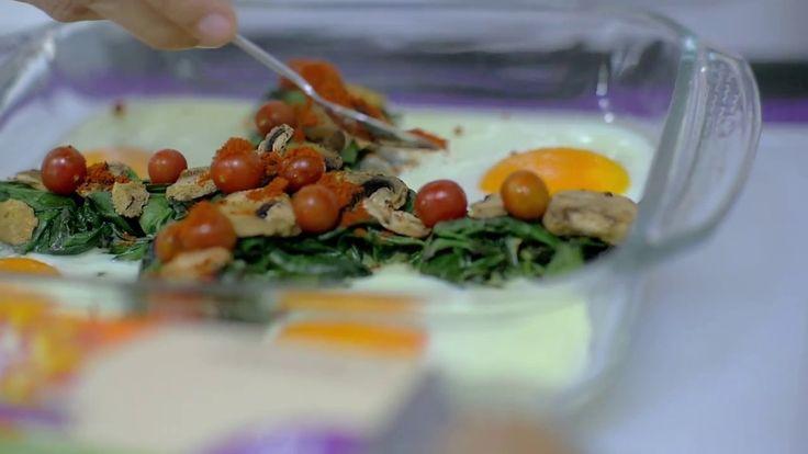 ¡Prepara esta nutritiva receta con Huevos Santa Anita Omega 3! Todo un molde para que disfrutes en familia con el delicioso sabor de los champiñones, espinac...