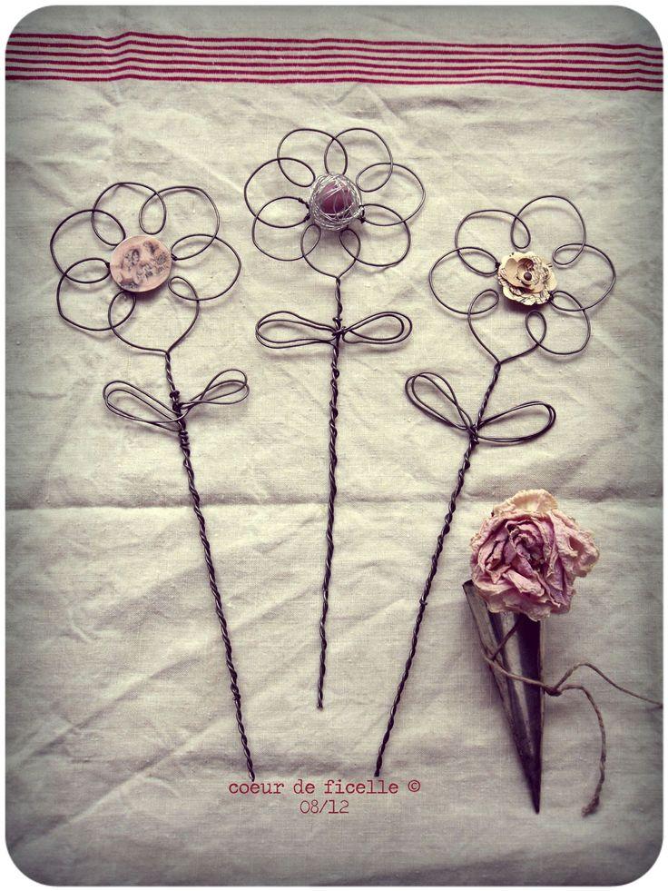 pique-fleurs en fil de fer