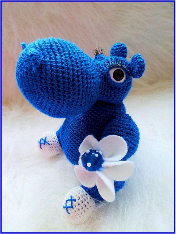 Hey, diesen tollen Etsy-Artikel fand ich bei https://www.etsy.com/listing/123965516/crochet-hippopotamus-toy-pattern-stuffed