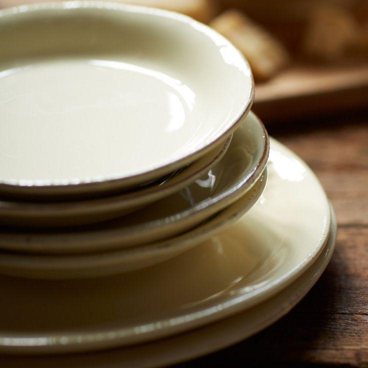 Crema Cream Dinner Plate | Dinnerware | Tabletop | VIETRI
