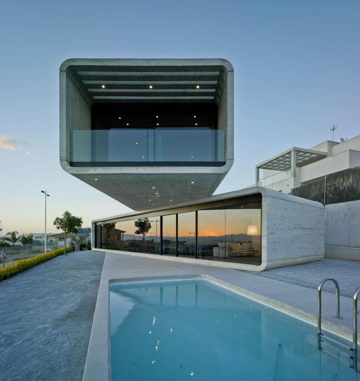 Casa Cruzada (Crossed House) by Clavel Arquitectos http://www.archello.com/en/project/casa-cruzada-crossed-house