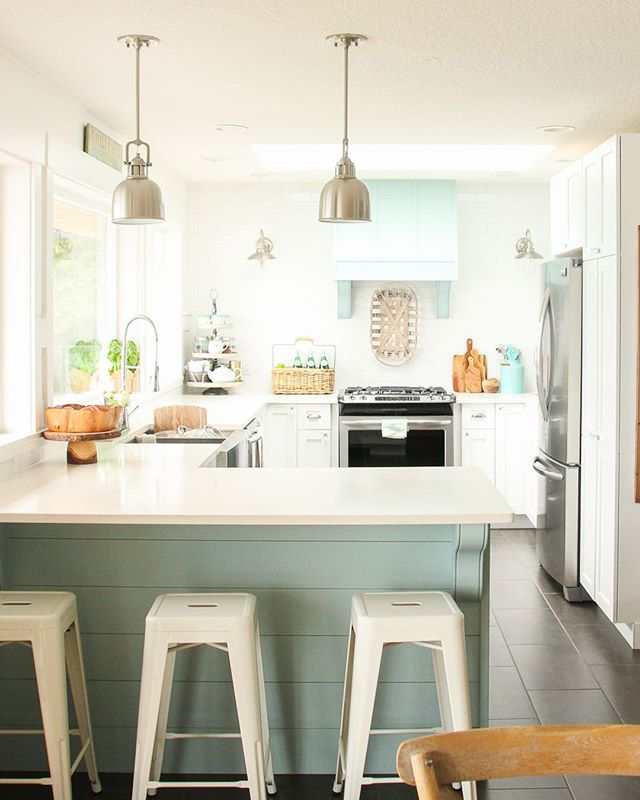 10 Stunning Farmhouse Kitchens With Coloured Cabinets Kitchen White Shaker Kitchen Small Laundry Rooms