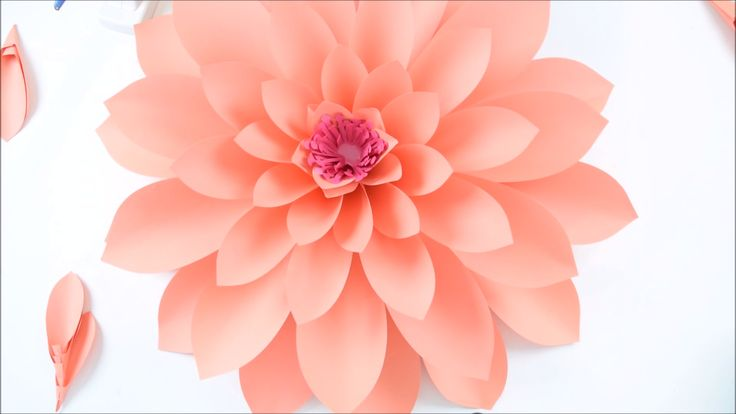 Giant Paper Dahlia Wall Flowers – Tutorial and Templates