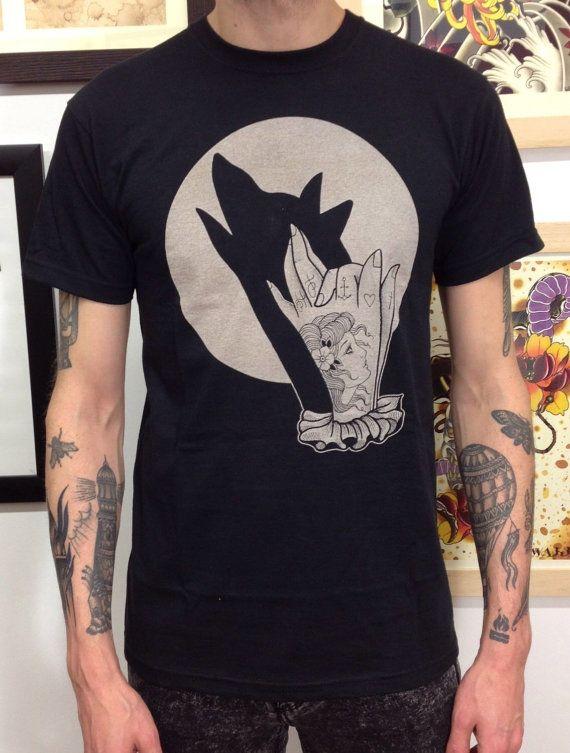 t shirt uomo con stampa ombra lupo di HardtimesTattoo su Etsy