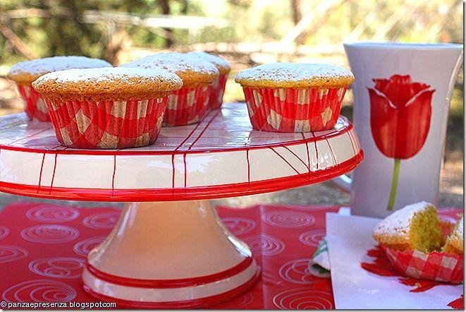 Muffins alla menta con confettura di pesche