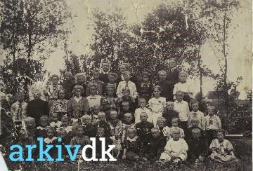 arkiv.dk | Lærer Lasen og hustru, Sønder Homå Skole
