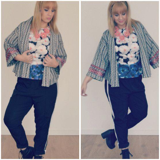 Zara Kimono Jacket, Zara Peplum Scuba Top, River Island Flower Necklace, Pimpkie Pants, Sasha Boots - Flowerbomb - Comme des Coco
