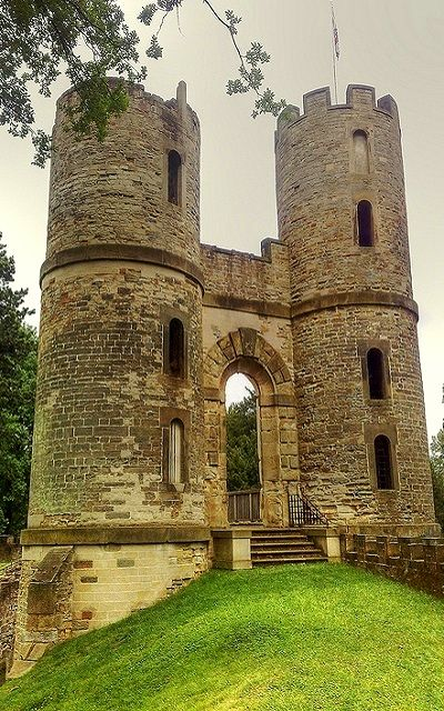 Stainborough Castle, Wentworth, Yorkshire, England  (by woodytyke on Flickr)