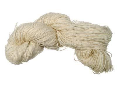 100 % Schurwolle  20/6 Strang - Lauflänge ca. 333 m / 100 g  zum Färben, Stricken (auch als Sockengarn) und Weben geeignet  Nadelstärke: 2,5 - 3,5