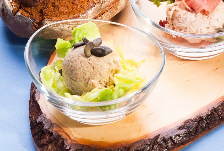 Vegetarische Leberwurst mit Grünkernmehl