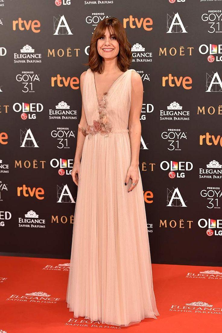 Alexandra Jiménez Goyas 2017, alfombra roja, red carpet, vestido largo