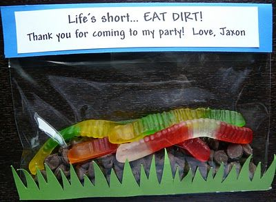Tractor party ideas/inspiration ~ @Lindsay Freeman I thought of Truett when I saw this!! Too cute!