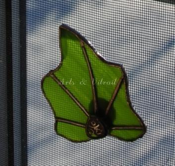 JG108 Feuille verte aimantée pour moustiquaire 7x8cm. 20$ artsvitrail@hotmail.com FB: Arts & Vitrail