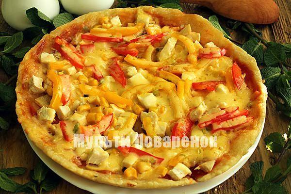 Пицца с куpицей, гpибами и болгаpским пеpцем в мультиваpке