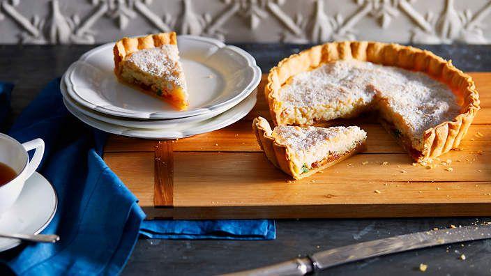 Gabriel Gaté's nougat cake from Tours (gâteau nougat de Tours). Watch the video recipe.
