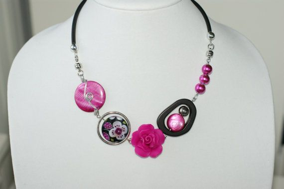Pink for the roses and brown for the chocolate  par BIJOUX LIBELLULE sur Etsy