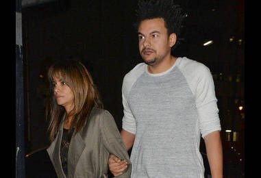 Halle Berry Posts Hilarious Photo of Herself on the Toilet—Did New Beau Alex Da Kid Take It?
