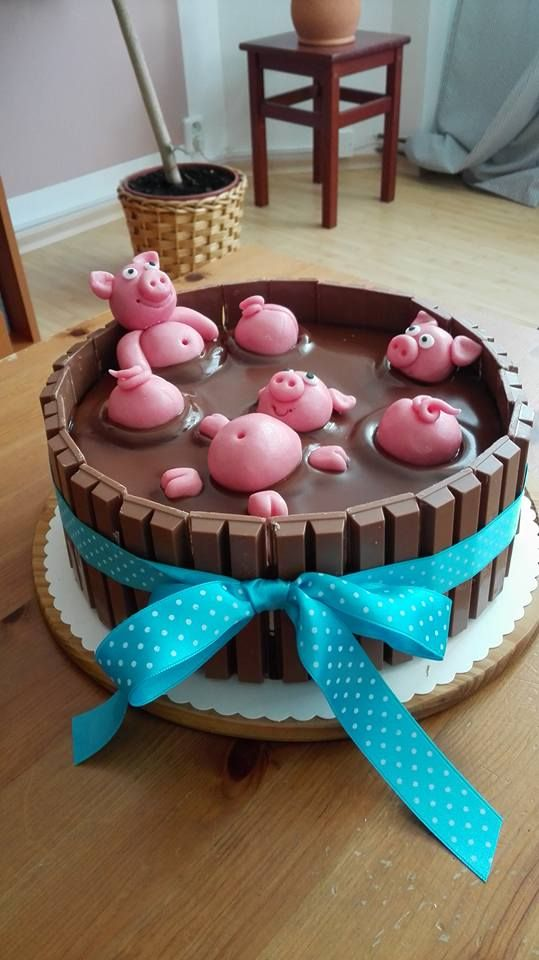 cake ,pig,chocolate