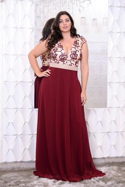 30e318c21 Vestido de Festa Longo Plus Size vermelho e branco com renda