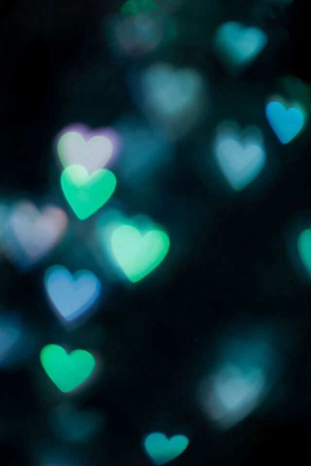 Green hearts bokeh Iphone smartphone Wallpaper background ...