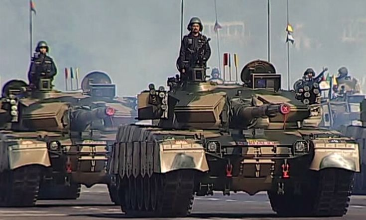 Al Khalid tank regiment enters the parade venue.— DawnNews