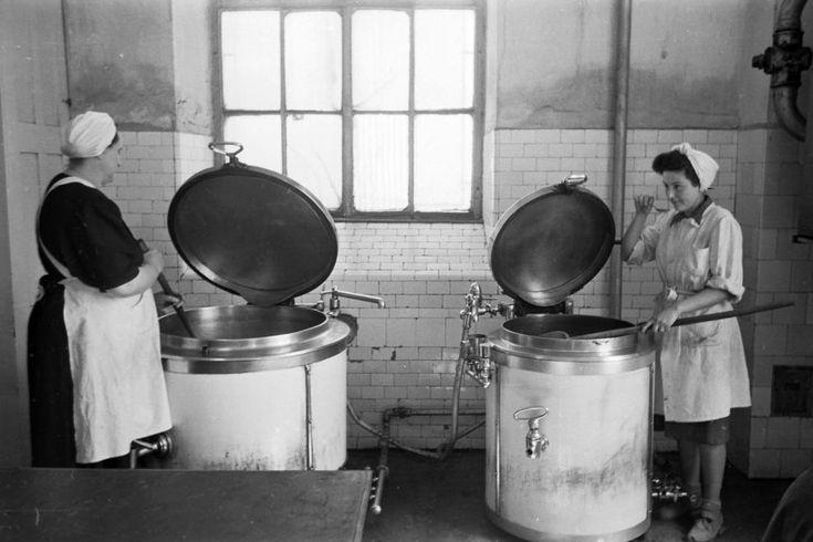 a Szent István kórház üzemi konyhája.