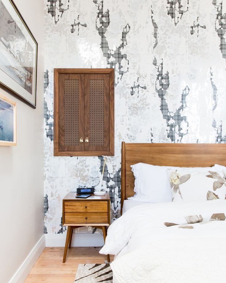 Amazing Tribeca Penthouse Bedroom With Wood Headboard, Mid-century ... Ideen Fur Zimmerpflanzen Winterdepression Bekampfen