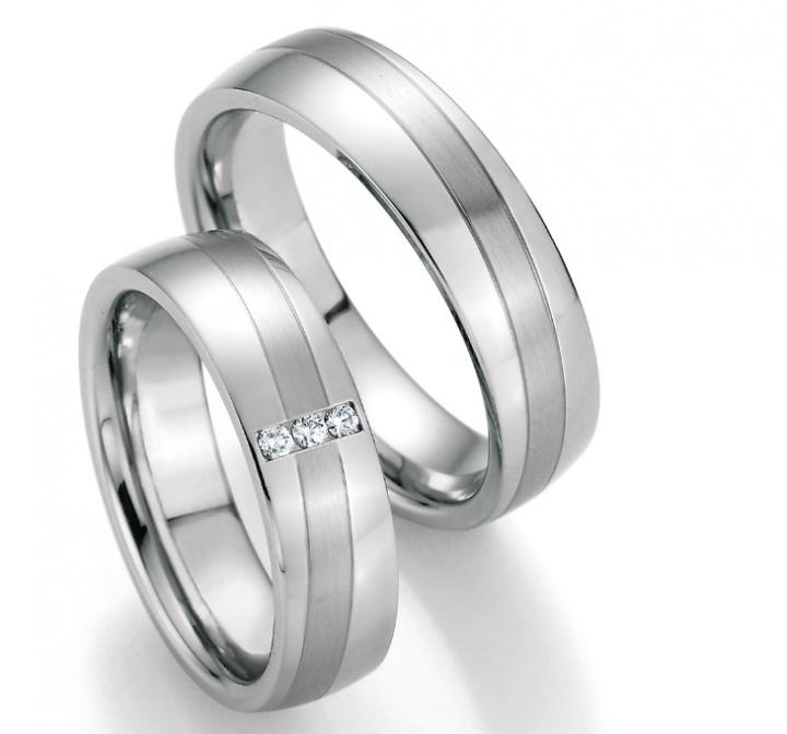 Wunderschöne Trauringe Steel Evolutiona aus Edelstahl by verlobungsring.de #stainless steel #beautiful #wedding