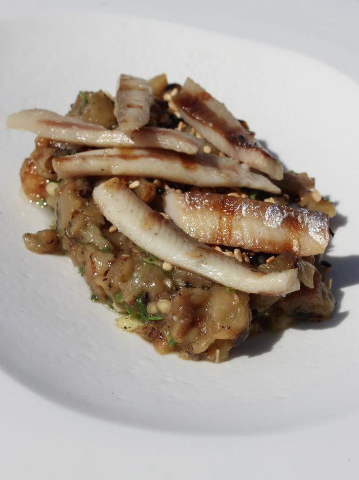 """Het lekkerste recept voor """"Sprot met tapenade van aubergine en sesam"""" vind je bij njam! Ontdek nu meer dan duizenden smakelijke njam!-recepten voor alledaags kookplezier!"""