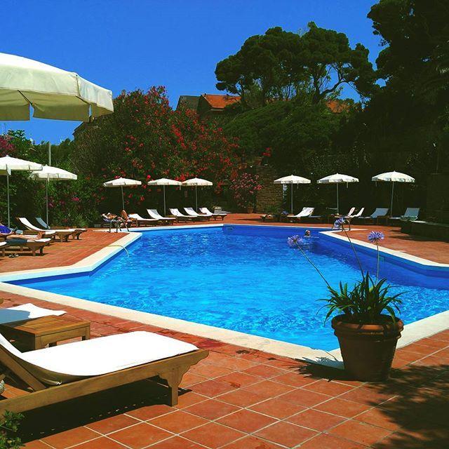 Herrliche Erholung am Pool im Palazzo Belmonte in Castellabate. Beautiful relaxing at the pool. #motordialog #swimmingpool #palazzobelmonte #castellabate #italien #italia #cilento