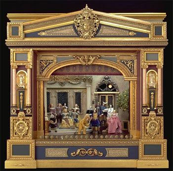 Arline Smith and Alan Sharpe with the Pyramus and Thisbe                     stage                    at the Chicago International Miniature Show in 2004.http://www.canadianshakespeares.ca/multimedia/video/m_v_pyramus.cfm