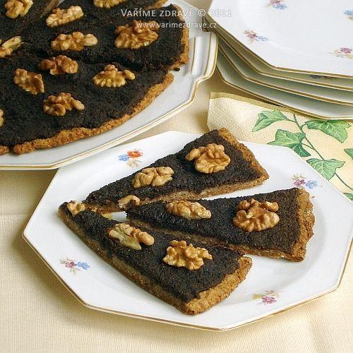 Ovesný koláč s mákem a ořechy