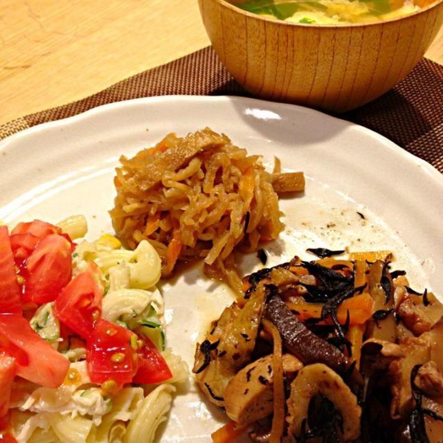 ワンプレートで楽チン後片付けw - 3件のもぐもぐ - マカロニサラダ、切り干し大根、ひじき煮、そうめんフシのすまし汁♡ by awim