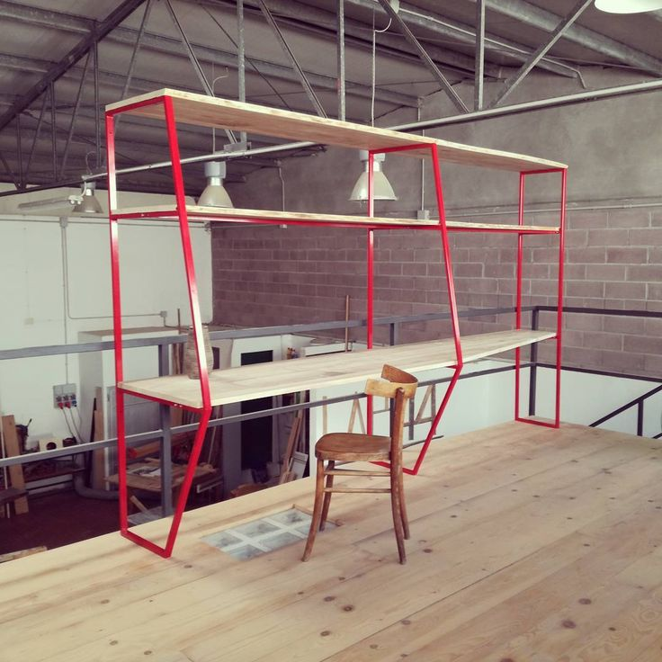 '' Vela '' mobile scrivania a parete  #laboratorio44 #handmade #madeinitaly #interiordesign #homedecor #architecture #interior #wood #steel #desk #instagood #office #studio #red
