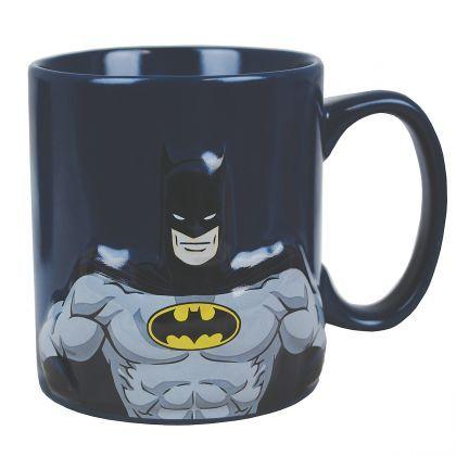 Un mug Batman en relief, pour toucher et fantasmer sur la musculature de notre superhéros !