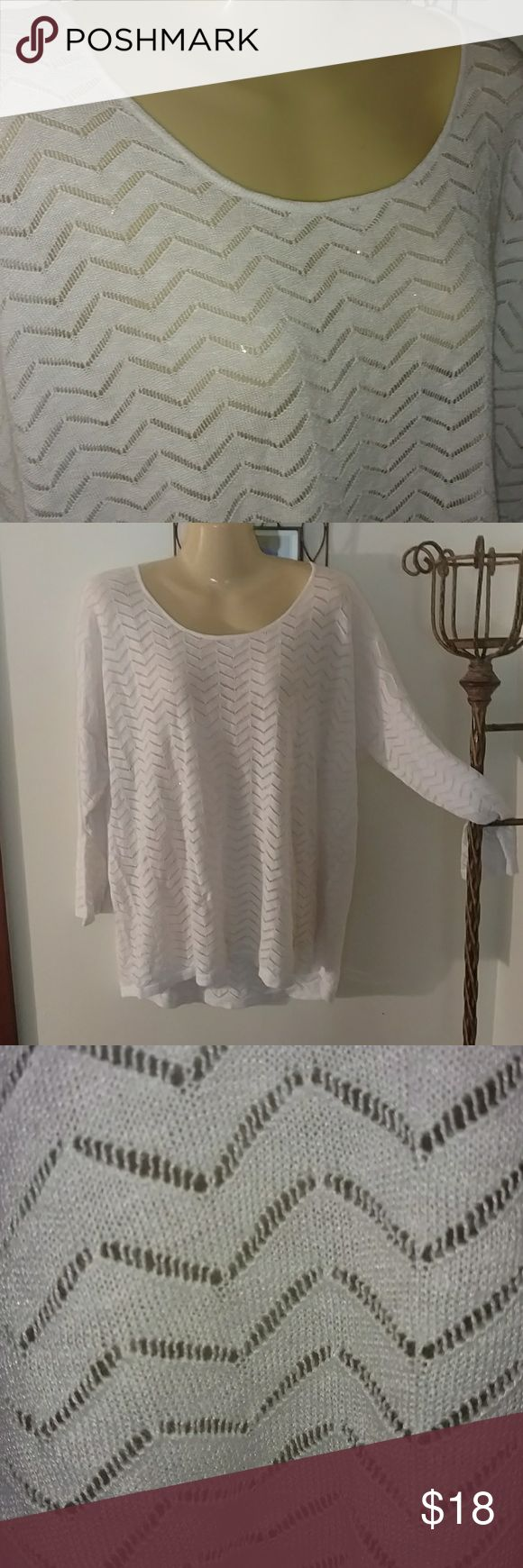 CHEVRON STYLE LIGHT WEIGHT  LONGER SWEATER Design as Shown Gently Used Condition Longer in Back ., 5'2 and it's past pockets gh Sweaters Crew & Scoop Necks