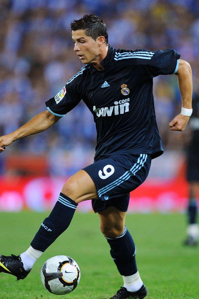 Cristiano Ronaldo Free Kick Stance Wallpaper 32362 Loadtve